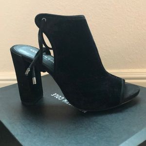 NIB Kenneth Cole New York Darla Heels